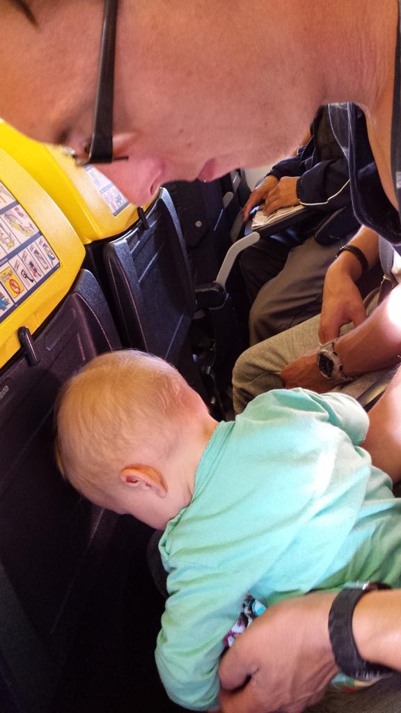 kayleigh en papa vliegtuig