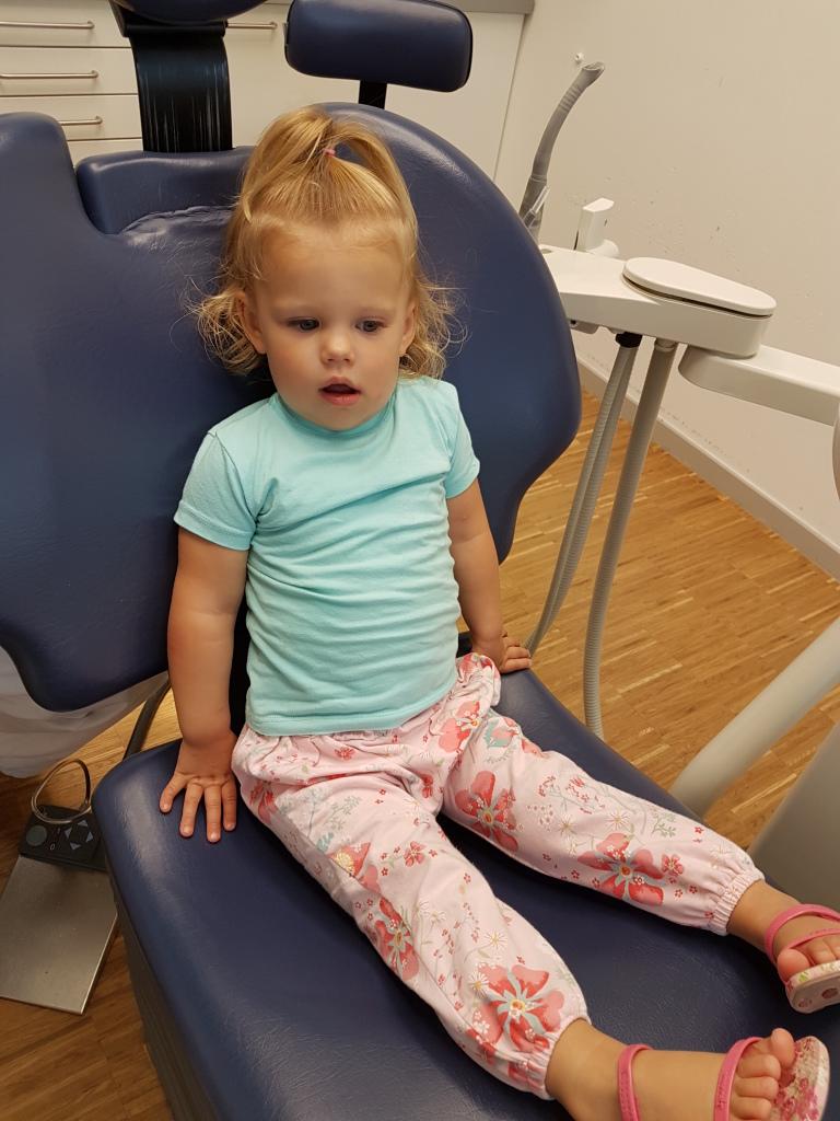 in de stoel bij de tandarts