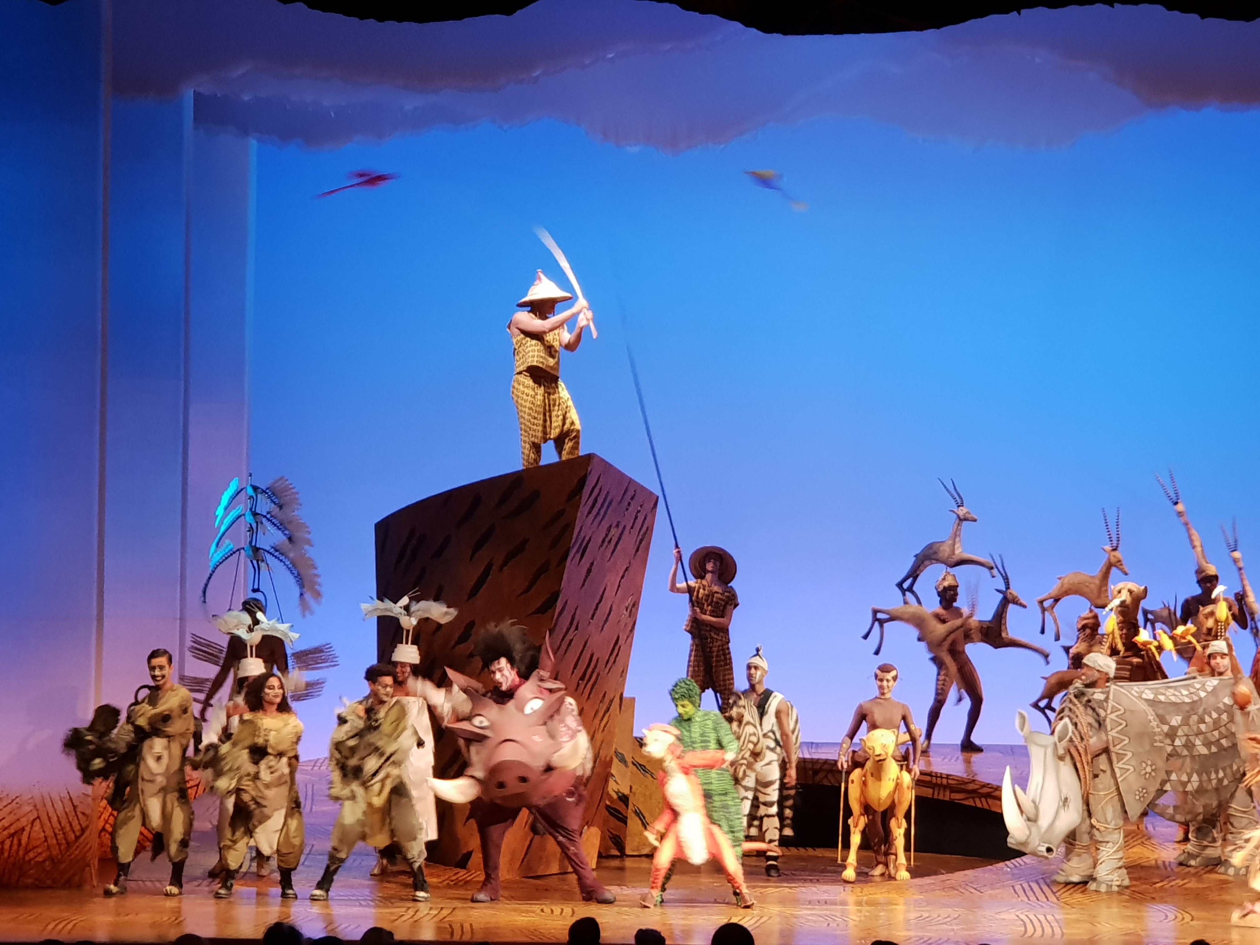 Kostuums Lion King.Musical The Lion King It S A Mom S Worldit S A Mom S World